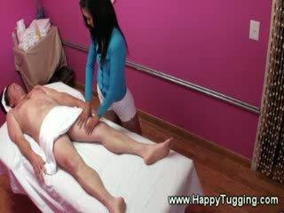 реалност, масажистка, масажист