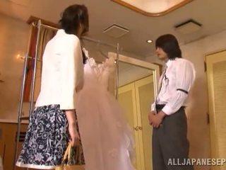Yui tatsumi the ארוטי כלה gives a thang זין למצוץ ל שלה fiance
