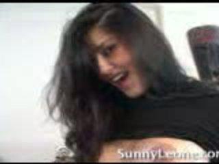 Sunny leone vid hem