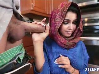 Arab hottie ada gets שלה כוס filled עם warm cumload