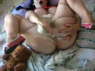 Brunette with a ginormous pair of tits show off her pussy Video