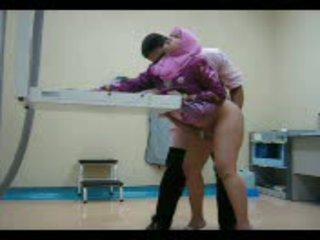 Arab ベイブ で ピンク gets 彼女の プッシー eaten アウト その後 ファック から 後ろ ビデオ