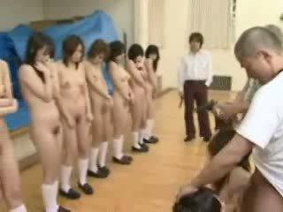 Japanisch schoolgirls unter waffe threat video