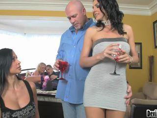 Super hawt couples deciding su che cosa a fare in loro sesso festa!
