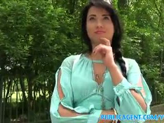 Publicagent جنسي أسود haired الروسية مارس الجنس في ال woods
