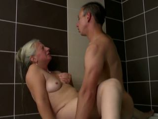 Old Mom Takes Young Cock in Bathroom, HD Porn 2e
