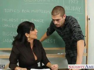 Chesty bruna insegnante tara holiday scopata