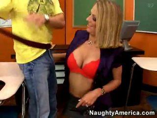 स्तन, हाथापाई, कठिन बकवास