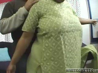 India mqmf loves este su bf es having diversión alrededor su gran pechos
