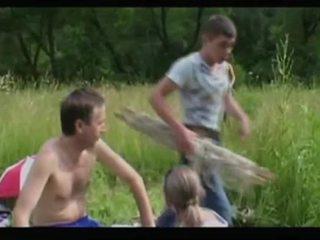Matang ibu milf + budak lelaki 02 daripada matureside video