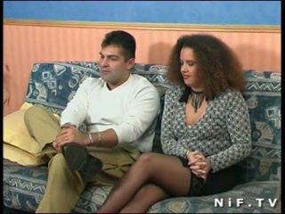 Franska amatör par doing anala kön i främre av oss