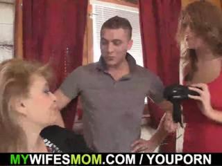 Girlfriends karstās māte inlaw takes tas no aiz
