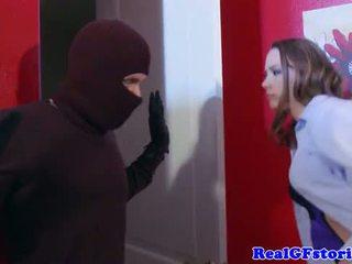 Hausfrau arschfick von ein midnight einbrecher