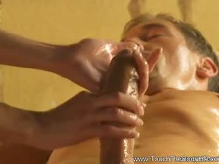 Frumos blonda milf masaj