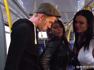 Xe buýt đập vì sexy cô gái madison ivy và ja