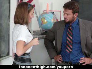 Innocenthigh - άτακτος/η νέος μαθητής/ρια gets banged