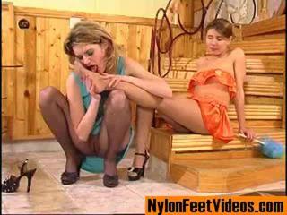 Ninette a alice erotický punčochy nohy scéna
