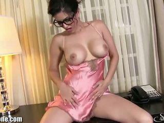 Sunny Leone: Sensual brunette sunny leone wears sexy lingerie
