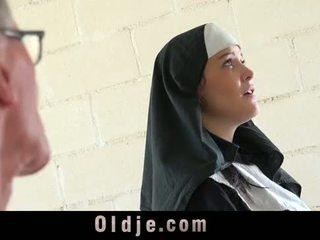 Starý človek značky mladý monastery mníška fornicate