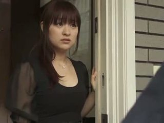 Japaneses bashkëshorte qij nga intruder - xhimex.net
