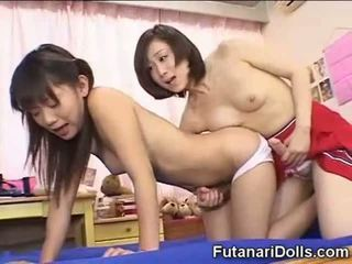 Futanari εφηβική ηλικία γαμήσι και jizzing!