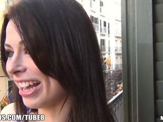 brunette, deepthroat, maigre