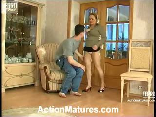 Sara و jerome seductive الأم داخل عمل