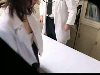 Anal creampie gynecologist fucks onun hasta üzerinde yaşlı erkekler ve gençler spycam