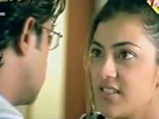 Telugu aktorė kajol agarwal rodantis krūtys