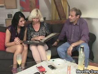 Gf gets lured do trojice podle jeho parents