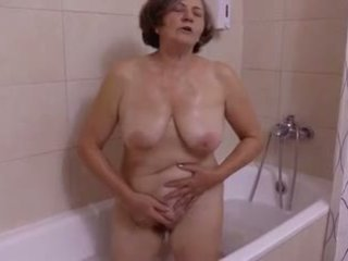 Une belle staigmena au salle de bain iki clessemperor