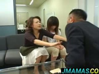 Miki yoshii และ แม่ mouths ระยำ โดย men