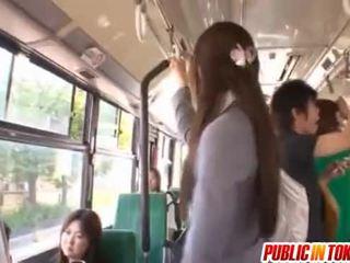 Yuuna Asakuro enjoys public sex