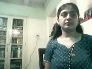 Rase india paar keppimine edasi veebikaamera - kurb