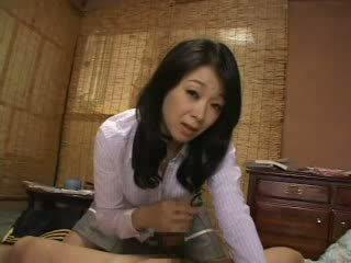Madrasta captura me a masturbar em dela cuecas vídeo