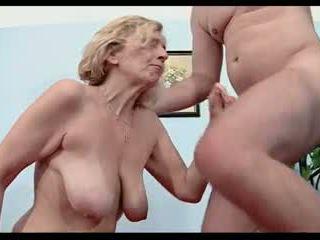 Anti-vac perempuan tua 51yrs