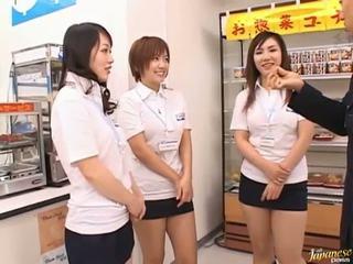 Aziāti dzimumloceklis jāšana