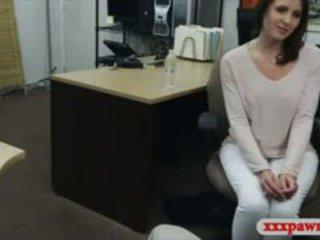 セクシー 主婦 stuffed バイ 意地の悪い pawn guy で ザ· 奥の部屋