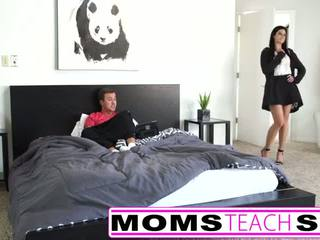 Adolescenza primo tempo squirting orgasmo con madre e figlio