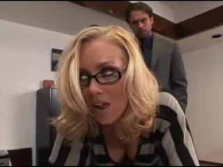 Nicole aniston офіс