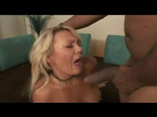 Pirang harlot chennin blanc pounds cunt on dong as one more copulates throat