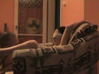 青少年 blind folded 和 強 到 他媽的 stranger 視頻