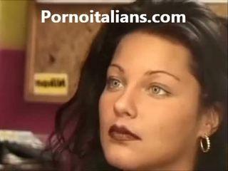 Italiano signora licking pelosa fica bagnato cazzo craving