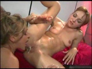 Creampie eating en sperma kussen