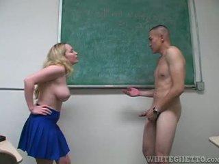 Aiden starr takes cuidado de 2 perverts em dela escola sala de aula