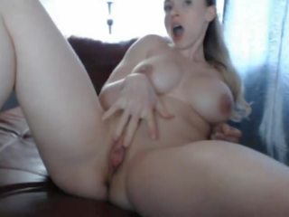 Extremely Hot Muscle Woman Masturbade Her Hot Pussy.