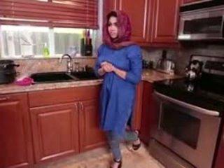 Arab bukkake tugjob ada gets filled