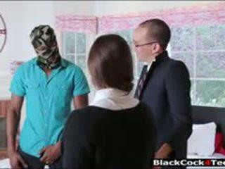 漂亮 褐髮女郎 青少年 amirah adara nailed 由 巨大 黑色 公雞