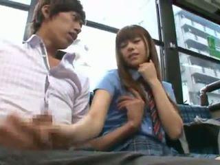 Rina rukawa sleaze koreýaly fuzz gives a kiss onto a awtobus