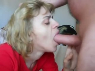 Mom in mouth-fuck n cum swallow action